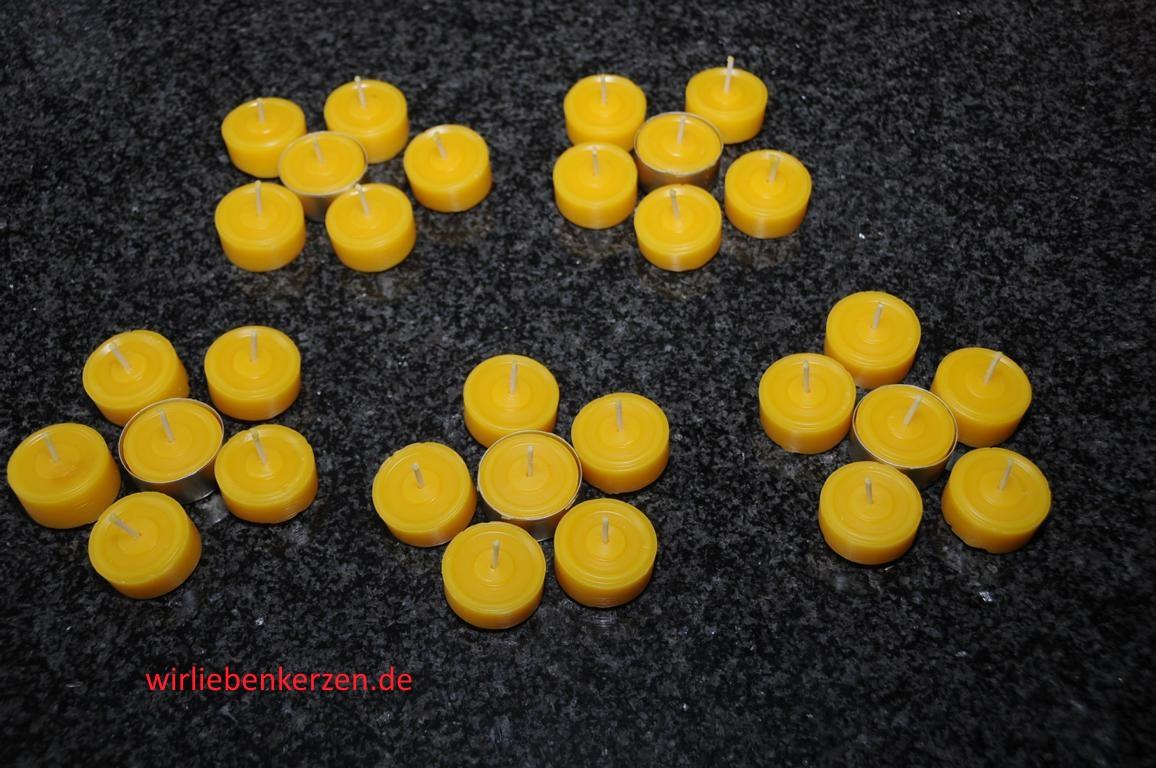 50 Teelichte ohne Hüllen ( mit 3 Teelichtgläsern ) handgegossen 100% Bienenwachs