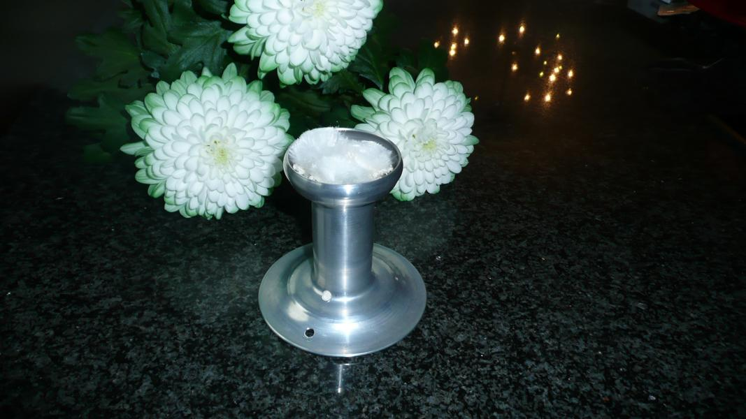 Großes beiges Schmelzlicht gestreift ca. 3,3 kg